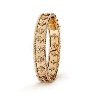 Van Cleef & Arpels Perlee Women Clover Decoration Studded Crystals Gold-plated Bangle Valentine Gift Sale Singapore VCARO3YB00