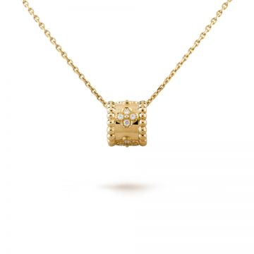 VCA Perlee Clovers Unisex Yellow Gold-plated Necklace Round Pendant Engraved Crystals Beaded Border Malaysia VCARO3YG00