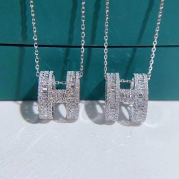 Low Price Hermes White Crystals & Diamonds H Logo Cylinder Pendant Siver Plated Necklace For Ladies Online