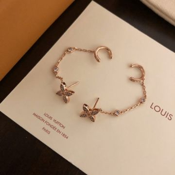 2021 Fashion Louis Vuitton Idylle Blossom Female Paved Diamonds Monogram Flower Pendant Circle Clip Rose Gold Chain Earrings Q96836 Replica