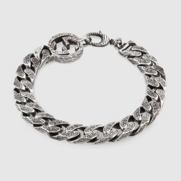 Men's Gucci Interlocking G Charm Antique Sterling Silver Thick Chain Intricate Engraved Pattern Bracelet For Sale 454285 J8400 0811