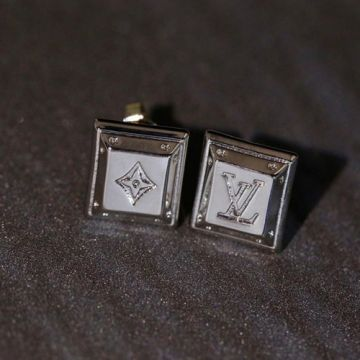 2021 Top Sale Louis Vuitton Square Design Classic LV Logo Monogram Flower Asymmetrical Stud Earrings For Ladies Silver/Yellow Gold/Rose Gold