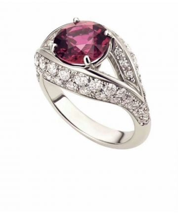 2019 New Style Bvlgari Dream Full-set Diamonds 925 Silver Womens Single Round Ruby Ring Sale Replica
